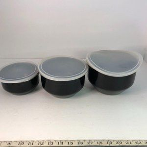 3 Small Bowls with Lids